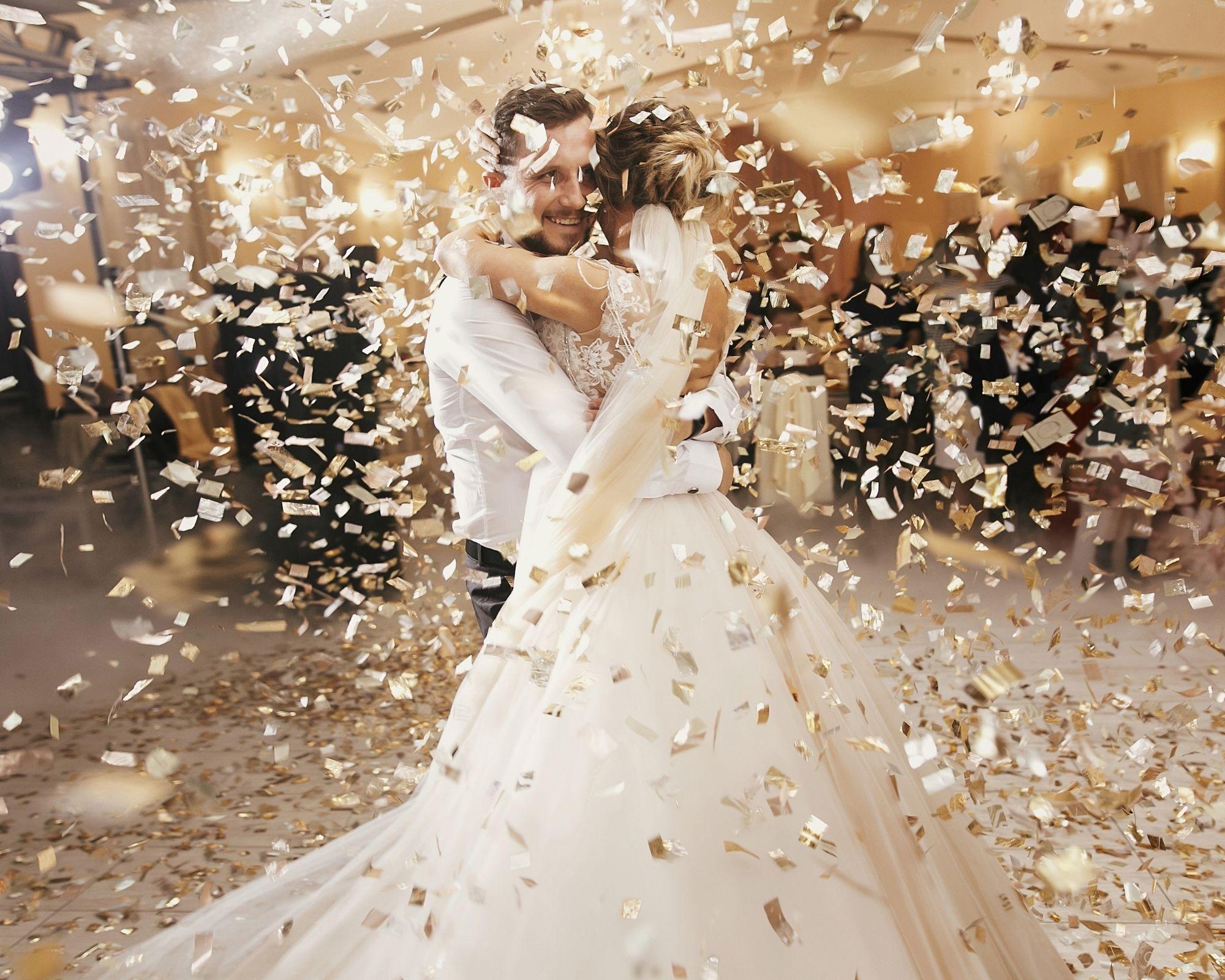 Mariés qui dansent - Les Moments M Wedding Planner Lyon