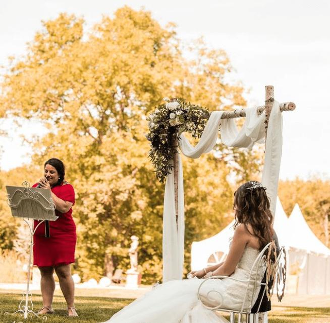 cérémonie laïque : comment la personnaliser et la rendre unique - les moments m - wedding planner lyon